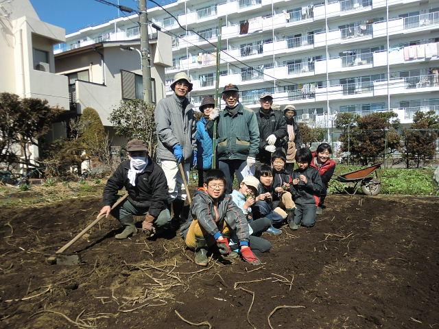 H250315親子農業体験ジャガイモ掘り用種植 (61)