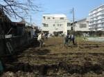 H250315親子農業体験ジャガイモ掘り用種植 (7)