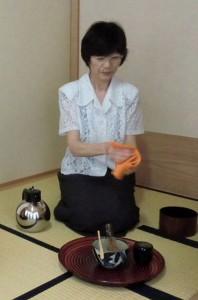 茶の湯、一輪挿し (1)