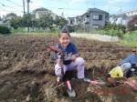 H261026サツマイモ掘り2 (28)