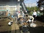 H261026サツマイモ掘り及び炊き出し訓練 (11)