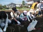 H261026サツマイモ掘り及び炊き出し訓練 (23)