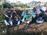 H261026サツマイモ掘り及び炊き出し訓練 (34)
