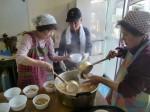 H261026サツマイモ掘り及び炊き出し訓練 (43)