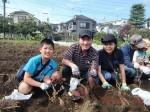 H261026サツマイモ掘り2 (33)