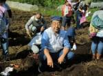 H261026サツマイモ掘り2 (53)