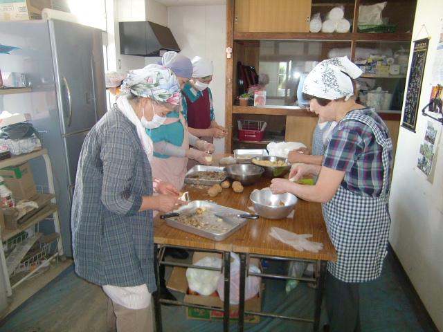H270720親子農業体験ジャガイモ掘り (4)