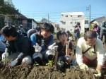 H271025サツマイモ掘り及び炊き出し訓練 (32)