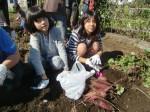 H271025サツマイモ掘り及び炊き出し訓練 (55)