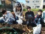 H271025サツマイモ掘り及び炊き出し訓練 (57)
