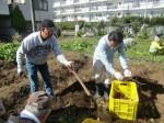 H271025サツマイモ掘り及び炊き出し訓練 (113)