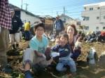 H271025サツマイモ掘り及び炊き出し訓練 (18)