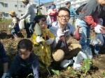 H271025サツマイモ掘り及び炊き出し訓練 (40)