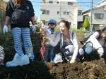 H271025サツマイモ掘り及び炊き出し訓練 (60)