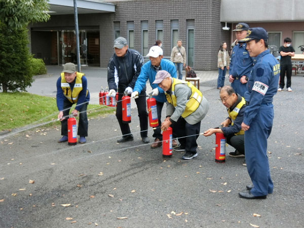 H271113マザアス合同防災訓練 (2)