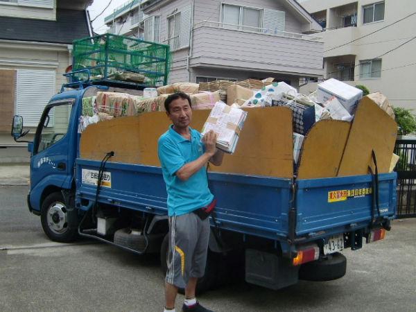 H260809資源ゴミ回収1