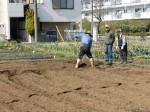 H280302農園ジャガイモ畝づくり (4)