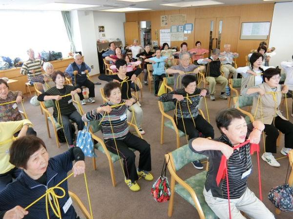 H280520高齢者長生き体操参加者 (30)