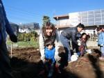H281217親子農業体験サツマイモ掘り・いやし収穫体験 (57)